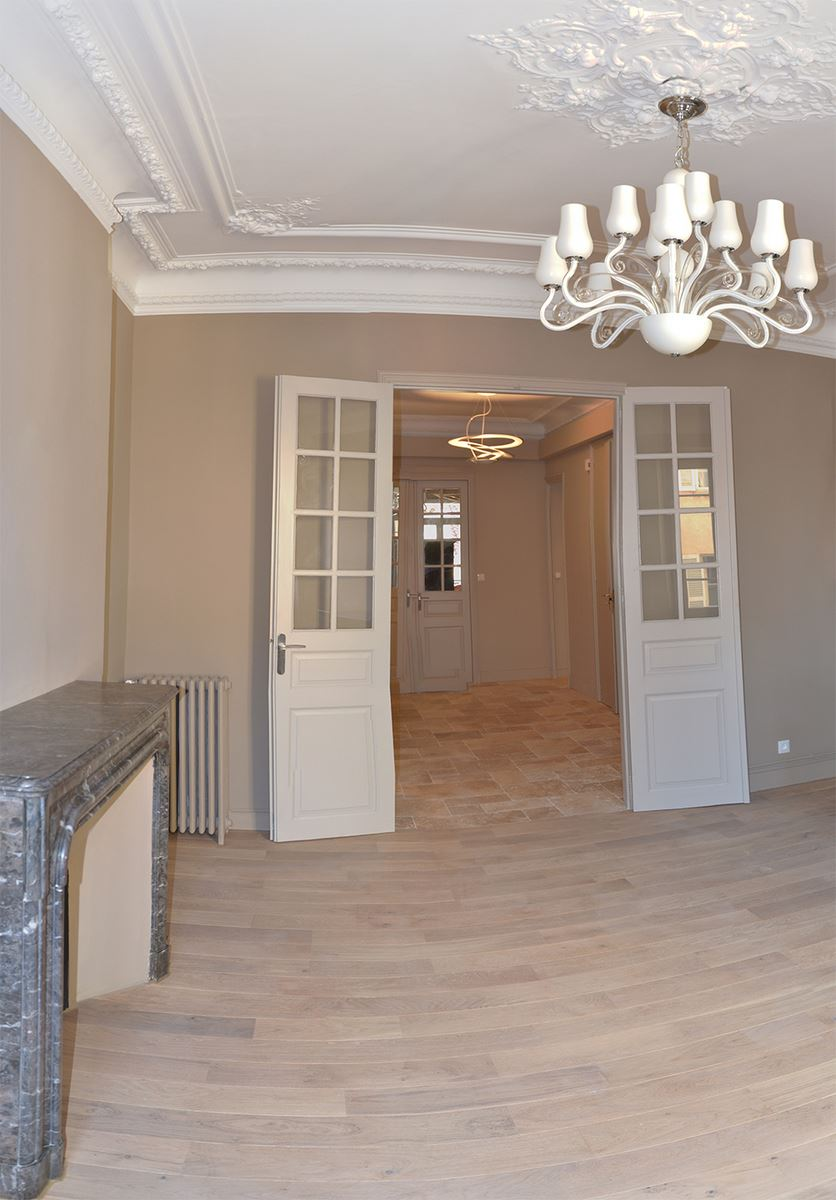 R novation appartement de style haussmannien toulon for Appartement design var