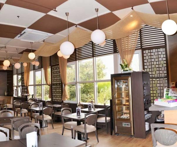 Design et décoration de l'intérieur du restaurant la baraka à La Garde
