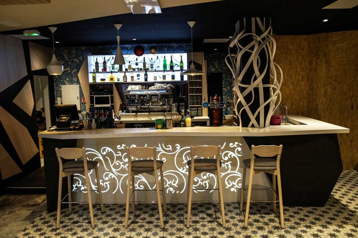 Agencement du petit rungis brasserie ste musse toulon for Decoration interieur cafe bar