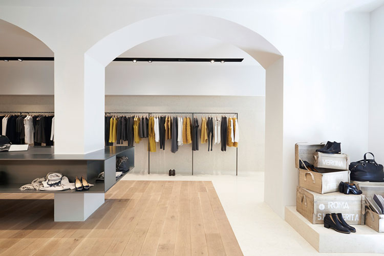 Agencement magasin de pret a porter aix en provence cannes for Design d interieur boutique
