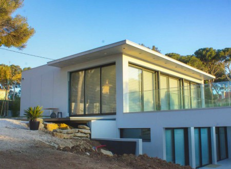 Maison moderne sur deux niveaux à Sanary sur mer