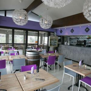 Intérieur la source toulon restaurant violet bois