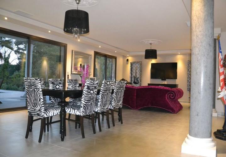 Salon design avec mobilier sur mesure à TOULON
