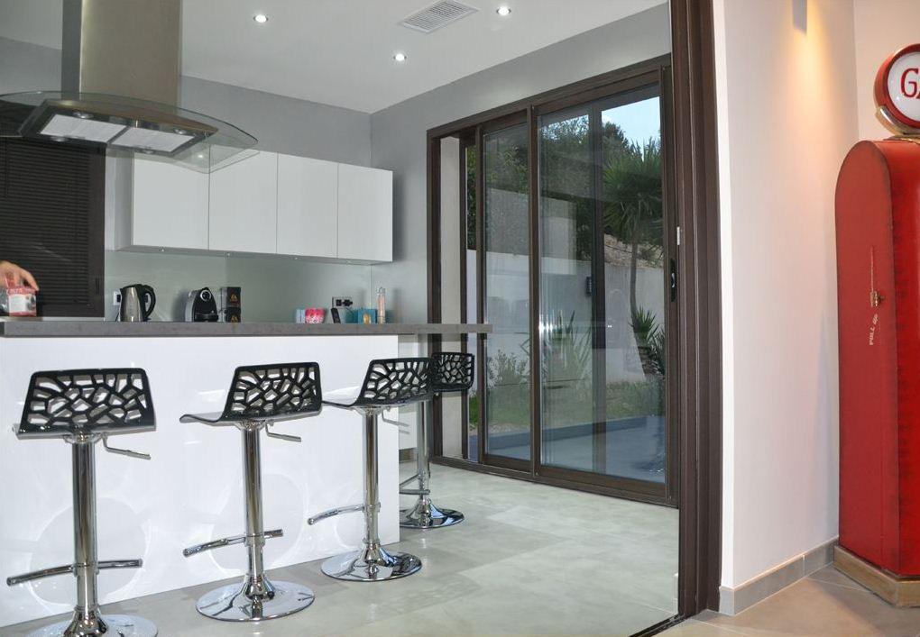 Decoration de villa affordable villa de rve avec des for Home salon ollioules