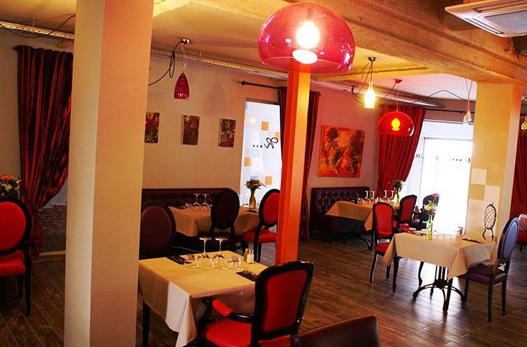 Agencement de l'intérieur d'un restaurant gastronomique par CT CREATION