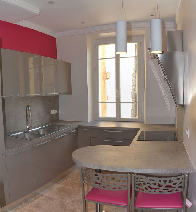 R novation appartement de style haussmannien toulon for Petite cuisine appartement