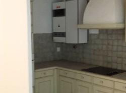 vieille cuisine avant le travail de l'architecte d'intérieur