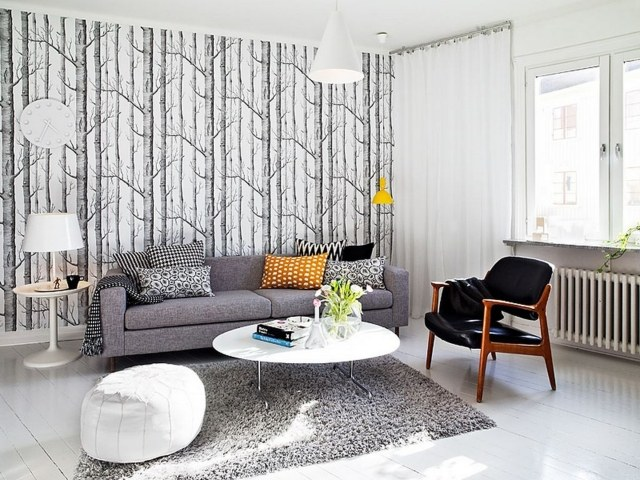 allconceptcreation.fr/wp-content/uploads/2015/09/wonderful-lovely-grey-living-room-ideas-8-tapis-gris-salon-shaggy-pouf-blanc-chaise-cuir-noir-coussins-motifs-640-x-480.jpg