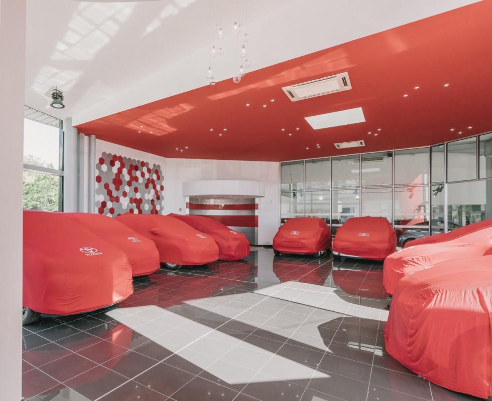 agencement d 39 int rieur garage automobilie toyota toulon. Black Bedroom Furniture Sets. Home Design Ideas