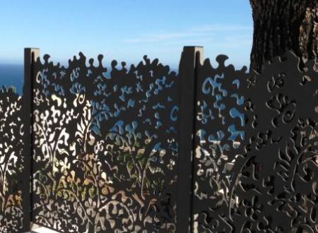 Cloture en métal forme de feuillage