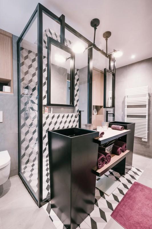 Décorateur Pour Une Salle De Bain Moderne À Toulon