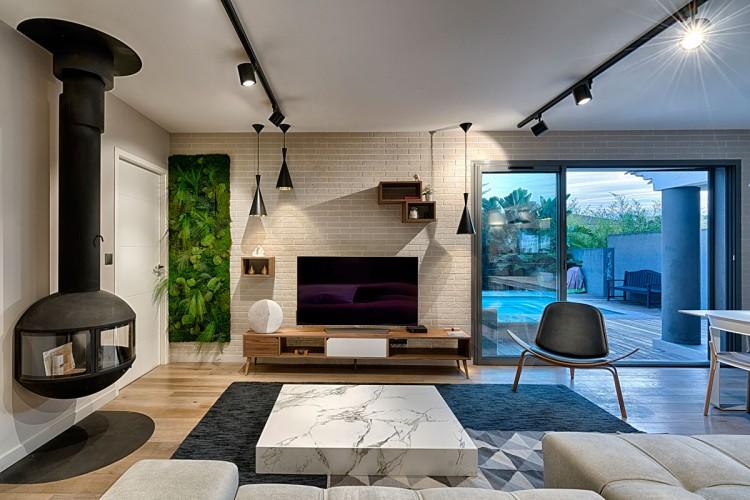 Superbe salon moderne de décoration scandinave