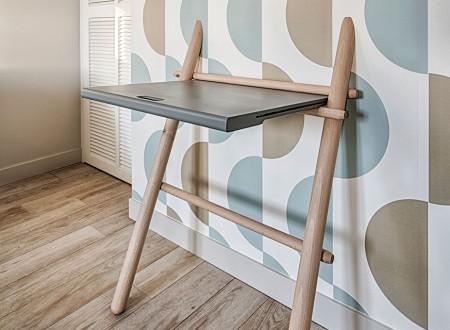 Bureau collé au mur, mobilier sur mesure scandinave à Toulon