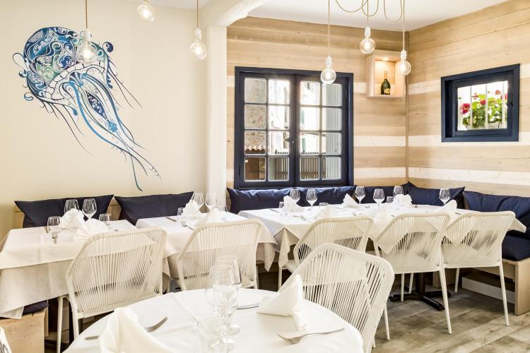 décoration mer chic et design restaurant st tropez