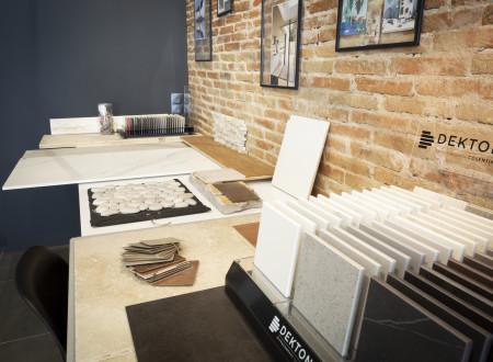 Bureau avec matériaux pour choix architecte d'intérieur toulon