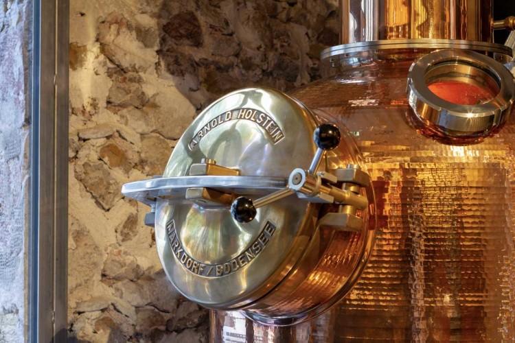 décoration bateau distillerie toulon