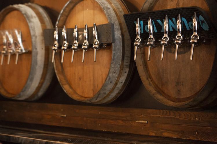 design d'intérieur du bar bario chicago dans le Var