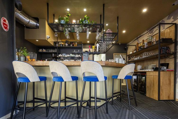 design d'intérieur du brasserie moliere dans le Var