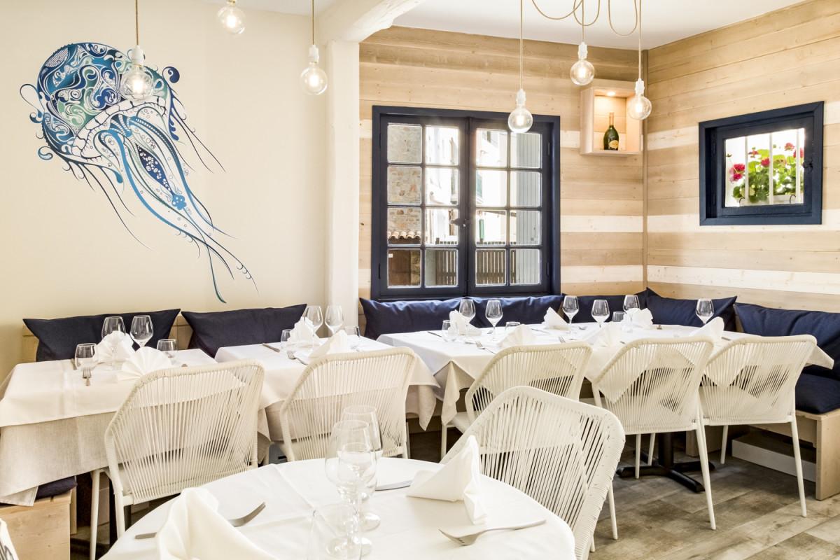 Ambiance Bord De Mer Chic architecture du restaurant la marÉe port grimaud / st tropez